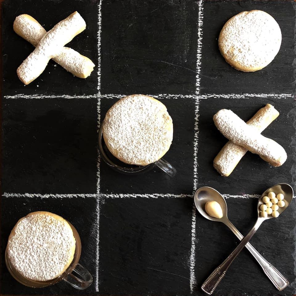 biscotti con le mandorle gioco del tris